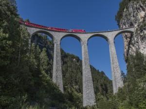 Digitale billeder jernbanemotiv 01 Guld og udstillingens bedste billede Kurt Jeppesen Landwasser med rødt tog